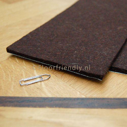 Vilt zelfklevend in bruin of beige, maat 30x15cm - Floorfriendly.nl