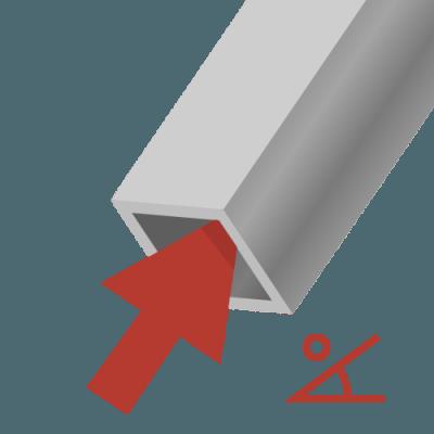 Vierkante stoelpoot schuin op de vloer